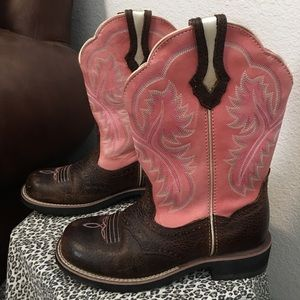 Ariat Fat Baby Pink Brown